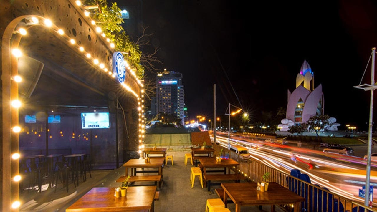 tin tuc guru sports bar nha trang saigon travel 2